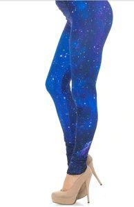 👻Creamy Soft Blue Galaxy Leggings Size 0-10